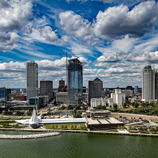 Milwaukee (WI)